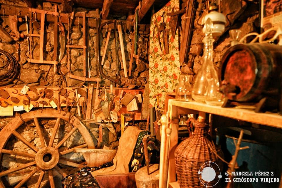 Objetos de la vida cotidiana en el Etno House Shancheva