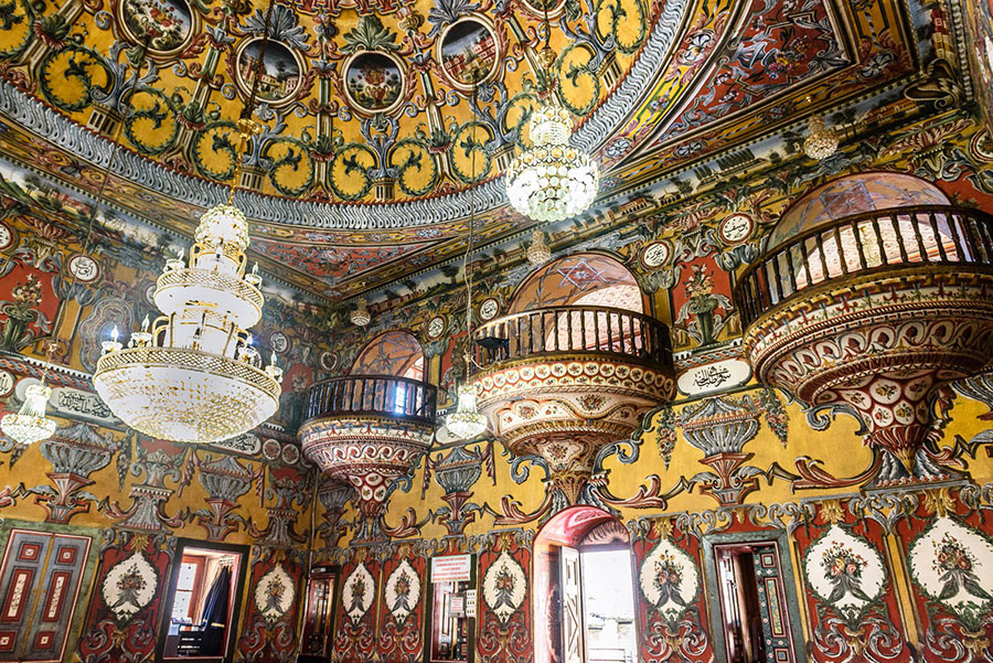 Interior de la mezquita pintada